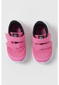 Różowe buty sportowe Nike Kids z okrągłym noskiem, z cholewką