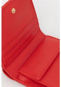 Love Moschino - Portfel. Kolor: czerwony