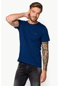 Niebieski t-shirt Lancerto z klasycznym kołnierzykiem, w kolorowe wzory