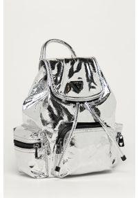 Srebrny plecak Guess Jeans elegancki
