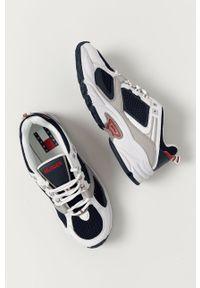Niebieskie sneakersy Tommy Jeans z okrągłym noskiem, z cholewką, na sznurówki