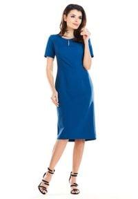 Awama - Niebieska Elegancka Dopasowana Midi Sukienka z Krótkim Rękawem. Kolor: niebieski. Materiał: wiskoza, poliester, elastan. Długość rękawa: krótki rękaw. Styl: elegancki. Długość: midi