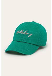 Zielona czapka z daszkiem Billabong z aplikacjami