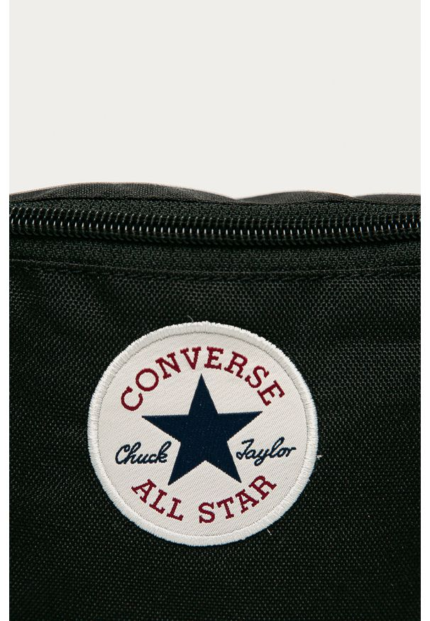 Czarna nerka Converse z nadrukiem