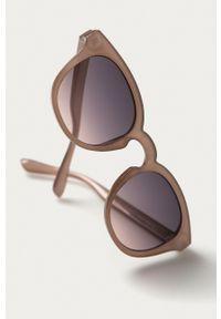 Pieces - Okulary przeciwsłoneczne. Kształt: owalne. Kolor: różowy