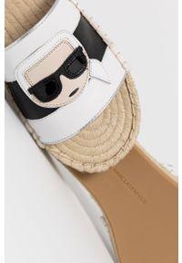 Karl Lagerfeld - Klapki. Kolor: biały. Materiał: guma