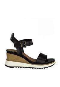 Czarne sandały Tamaris z paskami, na średnim obcasie, z motywem zwierzęcym, na koturnie