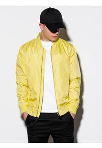 Żółta kurtka Ombre Clothing na wiosnę