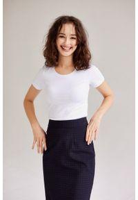 Marie Zélie - Bluzka Lorena biała. Okazja: na co dzień. Kolor: biały. Materiał: bawełna, dzianina, materiał, elastan. Długość rękawa: krótki rękaw. Długość: krótkie. Sezon: lato. Styl: klasyczny, casual