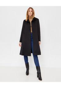 COMME des GARCONS - COMME DES GARCONS - Czarny płaszcz z ekologicznym podszyciem. Kolor: czarny. Materiał: futro. Długość: długie. Styl: klasyczny, elegancki