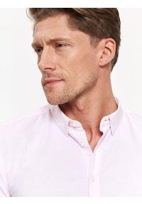 Różowa koszula TOP SECRET na zimę, z długim rękawem, z klasycznym kołnierzykiem, w kolorowe wzory