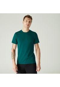 NYAMBA - Koszulka slim krótki rękaw fitness. Kolor: niebieski, wielokolorowy, turkusowy. Materiał: poliester, elastan, bawełna, materiał. Długość rękawa: krótki rękaw. Długość: krótkie. Sport: fitness