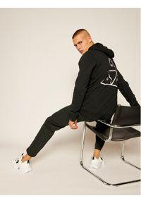 HUF Bluza Essentials PF00100 Czarny Regular Fit. Kolor: czarny
