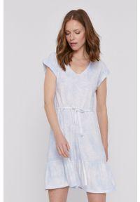 GAP - Sukienka. Kolor: niebieski. Materiał: dzianina. Długość rękawa: krótki rękaw. Typ sukienki: rozkloszowane