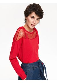 Czerwony sweter TOP SECRET w kolorowe wzory, elegancki, na co dzień