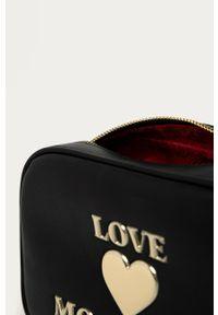 Czarna listonoszka Love Moschino z aplikacjami, skórzana, na ramię