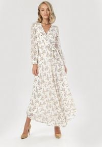 Born2be - Biała Sukienka Brizrya. Kolor: biały. Materiał: tkanina, materiał. Długość rękawa: długi rękaw. Wzór: kwiaty. Typ sukienki: kopertowe, rozkloszowane. Długość: maxi