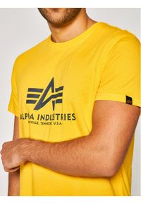 Alpha Industries T-Shirt Basic 100501 Żółty Regular Fit. Kolor: żółty