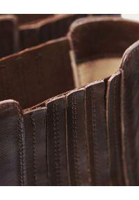 BALAGAN - Brązowe sztyblety Ukaf. Wysokość cholewki: przed kolano. Kolor: brązowy. Materiał: jeans, guma. Szerokość cholewki: normalna. Sezon: jesień, zima. Obcas: na obcasie. Styl: klasyczny. Wysokość obcasa: średni