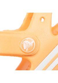Pomarańczowe sandały Crocs na lato