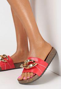 Born2be - Czerwone Klapki Nixishia. Nosek buta: okrągły. Kolor: czerwony. Materiał: guma. Styl: klasyczny