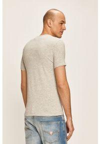 Szary t-shirt Guess Jeans z okrągłym kołnierzem