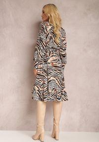 Renee - Czarno-Beżowa Sukienka Achaera. Kolor: czarny. Materiał: materiał. Długość rękawa: długi rękaw. Wzór: motyw zwierzęcy. Typ sukienki: kopertowe. Długość: midi