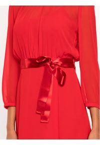 iBlues Sukienka koktajlowa 72261796 Czerwony Regular Fit. Kolor: czerwony. Styl: wizytowy #6