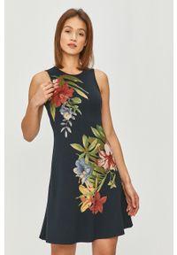 Niebieska sukienka Desigual casualowa, rozkloszowana
