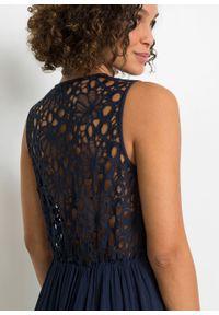 Niebieska sukienka bonprix w koronkowe wzory, na lato