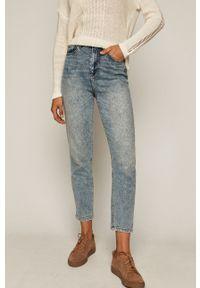 Niebieski jeansy loose fit medicine z podwyższonym stanem, w kolorowe wzory
