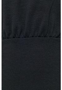 only - Only - Sukienka. Typ kołnierza: kaptur. Kolor: czarny. Materiał: dzianina, materiał. Długość rękawa: długi rękaw. Wzór: gładki. Typ sukienki: dopasowane