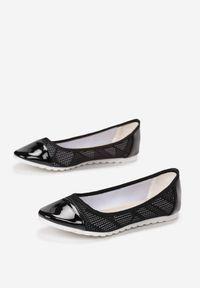 Born2be - Czarne Baleriny Ranes. Nosek buta: okrągły. Zapięcie: bez zapięcia. Kolor: czarny. Materiał: jeans, skóra, materiał, koronka, lakier. Wzór: ażurowy. Obcas: na płaskiej podeszwie. Styl: wakacyjny