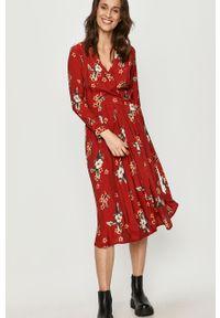 Czerwona sukienka Answear Lab wakacyjna, midi, w kwiaty, na co dzień