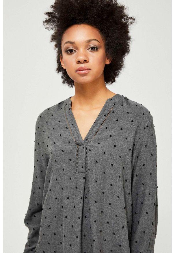 Szara koszula MOODO z długim rękawem, w koronkowe wzory