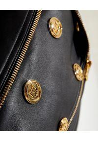 Balmain - BALMAIN - Skórzana kurtka ze złotymi guzikami. Kolor: czarny. Materiał: skóra. Długość rękawa: długi rękaw. Długość: długie. Wzór: aplikacja
