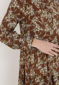 Born2be - Brązowa Sukienka Zepheshi. Kolor: brązowy. Długość rękawa: długi rękaw. Wzór: aplikacja. Długość: midi
