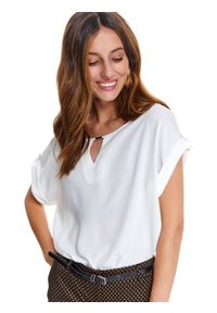 Biała bluzka TOP SECRET na co dzień, z krótkim rękawem, z dekoltem w łódkę, casualowa
