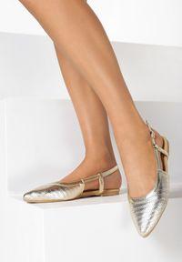 Złote sandały Born2be