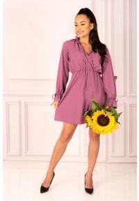 Merribel - Fioletowa Sukienka w Stylu Boho z Kopertowym Dekoltem. Kolor: fioletowy. Materiał: poliester, elastan. Typ sukienki: kopertowe. Styl: boho