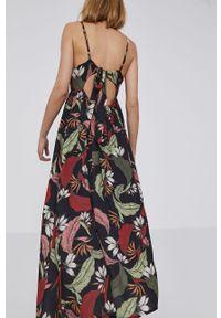 Czarna sukienka Answear Lab prosta, na ramiączkach