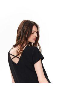 Czarny t-shirt TOP SECRET na co dzień, krótki, elegancki