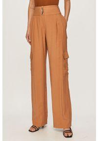 Brązowe spodnie materiałowe Silvian Heach gładkie, klasyczne, z podwyższonym stanem