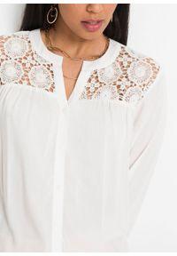 Bluzka z koronką, z przyjaznej dla środowiska wiskozy bonprix biel wełny. Kolor: biały. Materiał: wiskoza, koronka, wełna. Wzór: koronka