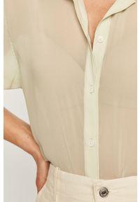Zielona koszula Levi's® z klasycznym kołnierzykiem, biznesowa, na spotkanie biznesowe