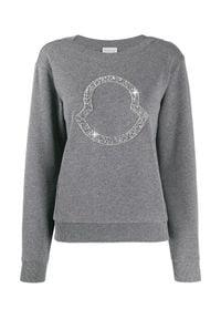 MONCLER - Szara bluza z logo. Kolor: szary. Materiał: dresówka, bawełna. Wzór: aplikacja. Styl: elegancki
