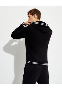 Les Hommes - LES HOMMES - Czarna bluza z logo. Kolor: czarny. Długość rękawa: długi rękaw. Długość: długie. Wzór: paski