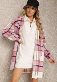 Renee - Różowa Koszula Rhodiphae. Kolor: różowy. Długość: długie. Wzór: aplikacja. Styl: elegancki