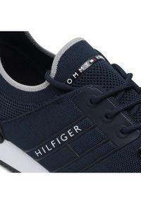TOMMY HILFIGER - Tommy Hilfiger Sneakersy Iconic Sock Knit Runner FM0FM03615 Granatowy. Kolor: niebieski