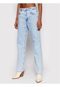 NA-KD Jeansy Contrast Pocket 1660-000582-0047-581 Niebieski Regular Fit. Kolor: niebieski